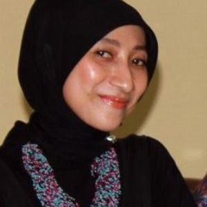 Tutuk Kusdaryanti - Line Dance Choreographer