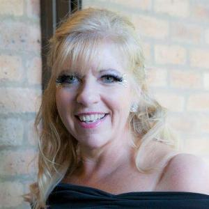 Lesley Klewinghaus - Line Dance Chorégraphe