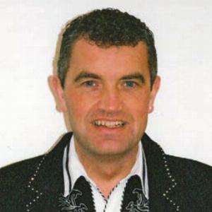 Robert Lindsay - Line Dance Choreographer